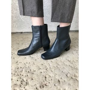 SALE [vintage] block heel square toe leather boots